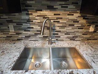 Photo 2: 8332 158 Avenue in Edmonton: Zone 28 House for sale : MLS®# E4193839