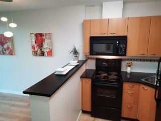 """Photo 8: 1803 1331 ALBERNI Street in Vancouver: West End VW Condo for sale in """"The Lions"""" (Vancouver West)  : MLS®# R2508802"""