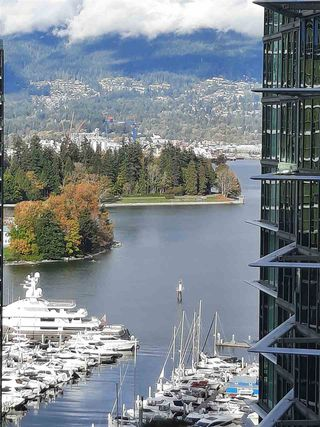 """Photo 4: 1803 1331 ALBERNI Street in Vancouver: West End VW Condo for sale in """"The Lions"""" (Vancouver West)  : MLS®# R2508802"""
