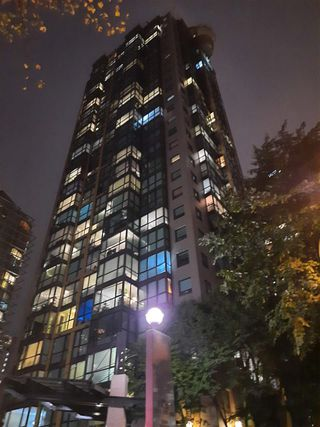 """Photo 27: 1803 1331 ALBERNI Street in Vancouver: West End VW Condo for sale in """"The Lions"""" (Vancouver West)  : MLS®# R2508802"""