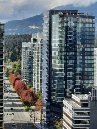 """Photo 3: 1803 1331 ALBERNI Street in Vancouver: West End VW Condo for sale in """"The Lions"""" (Vancouver West)  : MLS®# R2508802"""