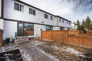 Photo 4: 4 3862 Ness Avenue in Winnipeg: Condominium for sale (5H)  : MLS®# 202028024