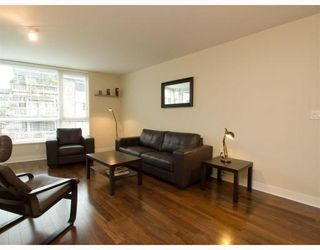 Photo 3: 406-160 West 3rd Street in North Vancouver: Lower Lonsdale Condo for sale : MLS®# V790001