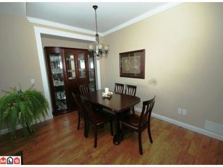 Photo 3: 32621 Stokes Avenue in Mission: House for sale : MLS®# f1014755