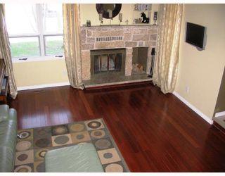 Photo 2: 781 CATHCART Street in WINNIPEG: Charleswood Residential for sale (South Winnipeg)  : MLS®# 2808272
