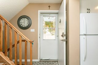 Photo 2: 824 ERIN Place in Edmonton: Zone 20 Townhouse for sale : MLS®# E4175830