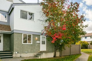 Photo 1: 824 ERIN Place in Edmonton: Zone 20 Townhouse for sale : MLS®# E4175830