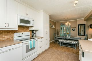 Photo 6: 824 ERIN Place in Edmonton: Zone 20 Townhouse for sale : MLS®# E4175830