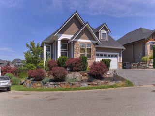 Photo 1: 102-515 Wren Place, Kelowna, BC, V1W 5H7 in Kelowna: House for sale : MLS®# 10164526