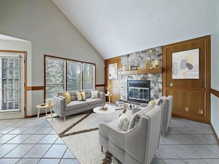 Photo 2: 219 Scenic Acres Drive NW in Calgary: Scenic Acres Detached for sale : MLS®# C4280317