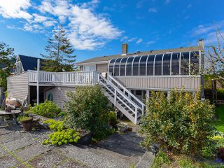 Main Photo: 2445 S Island Hwy in CAMPBELL RIVER: CR Willow Point Single Family Detached for sale (Campbell River)  : MLS®# 833297