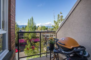 "Photo 13: 411 3638 W BROADWAY in Vancouver: Kitsilano Condo for sale in ""CORAL COURT"" (Vancouver West)  : MLS®# R2461074"