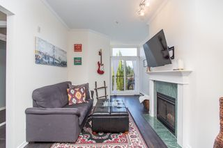 "Photo 3: 411 3638 W BROADWAY in Vancouver: Kitsilano Condo for sale in ""CORAL COURT"" (Vancouver West)  : MLS®# R2461074"
