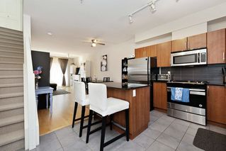 Photo 10: 309 1661 FRASER Avenue in Port Coquitlam: Glenwood PQ Townhouse for sale : MLS®# R2476544