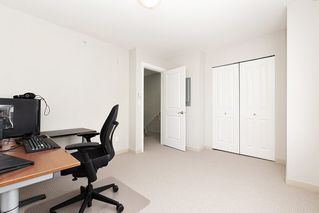 Photo 2: 309 1661 FRASER Avenue in Port Coquitlam: Glenwood PQ Townhouse for sale : MLS®# R2476544