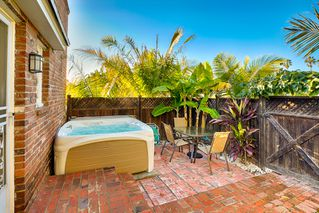 Photo 5: LA JOLLA House for sale : 2 bedrooms : 447 Westbourne Street