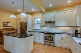 Photo 14: 231 St. Andrews St in : Vi James Bay House for sale (Victoria)  : MLS®# 856876