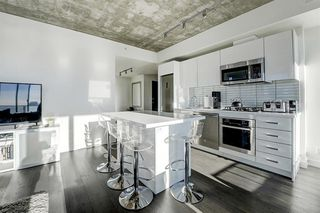 Photo 10: 1502 1010 6 Street SW in Calgary: Beltline Apartment for sale : MLS®# A1054392