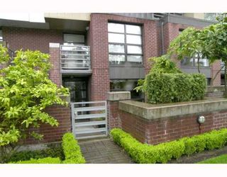 "Photo 9: 106 2137 W 10TH Ave in Vancouver: Kitsilano Condo for sale in ""ADERA"" (Vancouver West)  : MLS®# V646338"