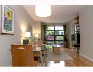 "Photo 2: 106 2137 W 10TH Ave in Vancouver: Kitsilano Condo for sale in ""ADERA"" (Vancouver West)  : MLS®# V646338"