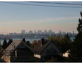 Photo 10: 365 E 6TH Street in North_Vancouver: Lower Lonsdale House 1/2 Duplex for sale (North Vancouver)  : MLS®# V654763
