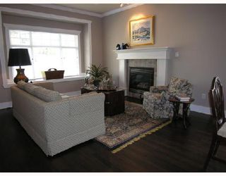 Photo 2: 365 E 6TH Street in North_Vancouver: Lower Lonsdale House 1/2 Duplex for sale (North Vancouver)  : MLS®# V654763