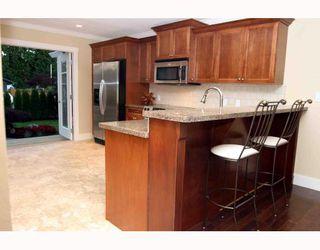 "Photo 2: 1055 SHAMAN in Tsawwassen: English Bluff House for sale in ""THE VILLAGE"" : MLS®# V662658"