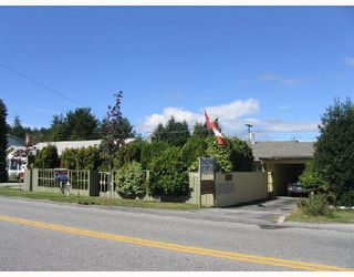 Main Photo: 5694 DOLPHIN Street in Sechelt: Sechelt District House for sale (Sunshine Coast)  : MLS®# V666701