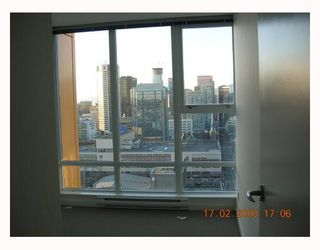 "Photo 8: 3606 602 CITADEL PARADE BB in Vancouver: Downtown VW Condo for sale in ""SPECTRUM"" (Vancouver West)  : MLS®# V689482"