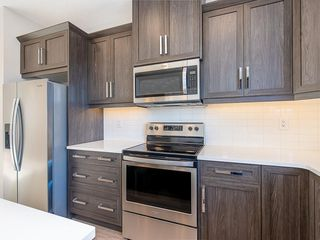 Photo 3: 40 SKYVIEW Parade NE in Calgary: Skyview Ranch Row/Townhouse for sale : MLS®# C4286431