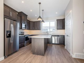 Photo 8: 40 SKYVIEW Parade NE in Calgary: Skyview Ranch Row/Townhouse for sale : MLS®# C4286431