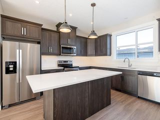 Photo 2: 40 SKYVIEW Parade NE in Calgary: Skyview Ranch Row/Townhouse for sale : MLS®# C4286431