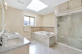 Photo 15: 6231 DANUBE Road in Richmond: Woodwards House for sale : MLS®# R2446308
