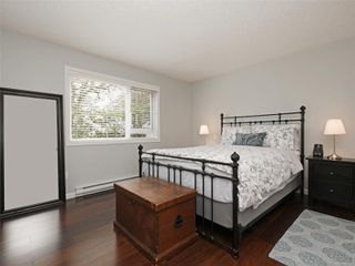 Photo 11: 103 1158 Fairfield Rd in : Vi Fairfield West Condo for sale (Victoria)  : MLS®# 854012