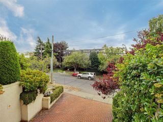 Photo 21: 103 1158 Fairfield Rd in : Vi Fairfield West Condo for sale (Victoria)  : MLS®# 854012