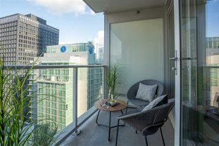 """Photo 19: 2203 1188 W PENDER Street in Vancouver: Coal Harbour Condo for sale in """"Sapphire"""" (Vancouver West)  : MLS®# R2526946"""