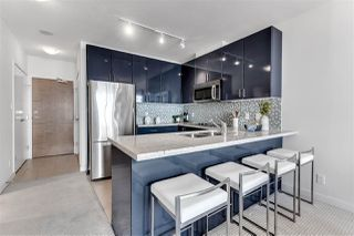 """Photo 14: 2203 1188 W PENDER Street in Vancouver: Coal Harbour Condo for sale in """"Sapphire"""" (Vancouver West)  : MLS®# R2526946"""