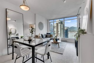 """Photo 4: 2203 1188 W PENDER Street in Vancouver: Coal Harbour Condo for sale in """"Sapphire"""" (Vancouver West)  : MLS®# R2526946"""