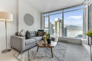 """Photo 3: 2203 1188 W PENDER Street in Vancouver: Coal Harbour Condo for sale in """"Sapphire"""" (Vancouver West)  : MLS®# R2526946"""