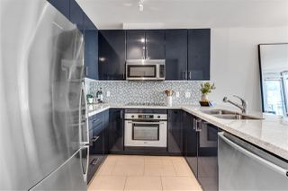 """Photo 13: 2203 1188 W PENDER Street in Vancouver: Coal Harbour Condo for sale in """"Sapphire"""" (Vancouver West)  : MLS®# R2526946"""