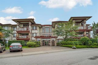 """Photo 33: 209 16477 64 Avenue in Surrey: Cloverdale BC Condo for sale in """"St Andrews"""" (Cloverdale)  : MLS®# R2527449"""