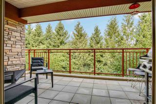 """Photo 3: 209 16477 64 Avenue in Surrey: Cloverdale BC Condo for sale in """"St Andrews"""" (Cloverdale)  : MLS®# R2527449"""
