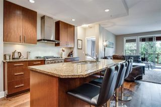 """Photo 7: 209 16477 64 Avenue in Surrey: Cloverdale BC Condo for sale in """"St Andrews"""" (Cloverdale)  : MLS®# R2527449"""