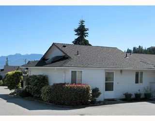"Photo 1: 20 699 DOUGALL Road in Gibsons: Gibsons & Area Townhouse for sale in ""MARINA PLACE"" (Sunshine Coast)  : MLS®# V656190"