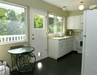 Photo 5: 903 E 4TH Street in North_Vancouver: Queensbury House for sale (North Vancouver)  : MLS®# V675465