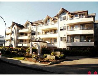 """Main Photo: 401 2526 LAKEVIEW Crescent in Abbotsford: Central Abbotsford Condo for sale in """"Millspring Manor"""" : MLS®# F2729367"""