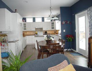 Photo 2: 31 CLAPHAM Cove in WINNIPEG: St Vital Residential for sale (South East Winnipeg)  : MLS®# 2802200