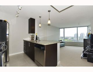 """Photo 4: 1110 688 ABBOTT Street in Vancouver: Downtown VW Condo for sale in """"FIRENZE II"""" (Vancouver West)  : MLS®# V714174"""