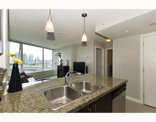 """Photo 5: 1110 688 ABBOTT Street in Vancouver: Downtown VW Condo for sale in """"FIRENZE II"""" (Vancouver West)  : MLS®# V714174"""