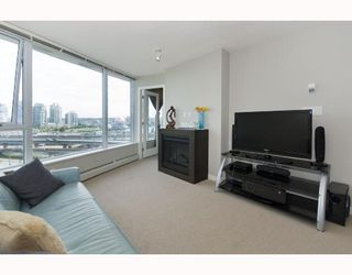 """Photo 2: 1110 688 ABBOTT Street in Vancouver: Downtown VW Condo for sale in """"FIRENZE II"""" (Vancouver West)  : MLS®# V714174"""